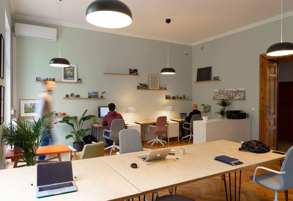Ideeën om je kantoor in te-richten met steigerhout image