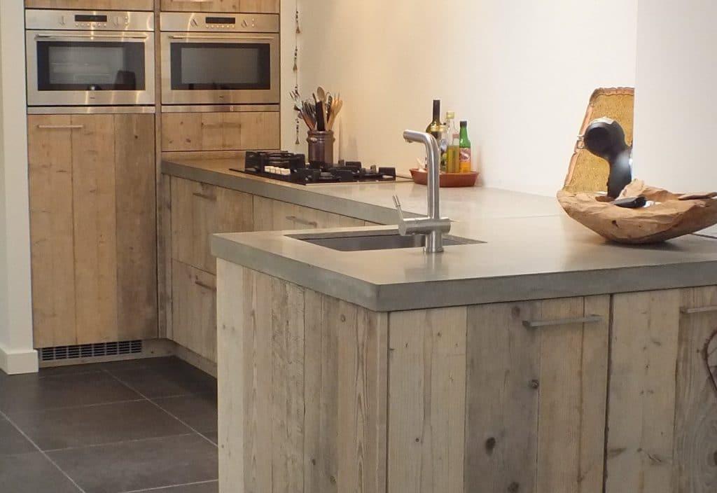 Steigerhouten keuken (1)