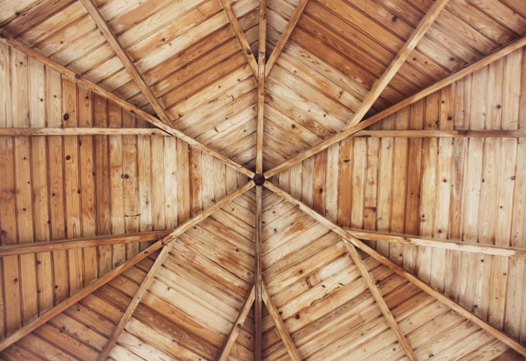 Wanddecoratie van steigerhout